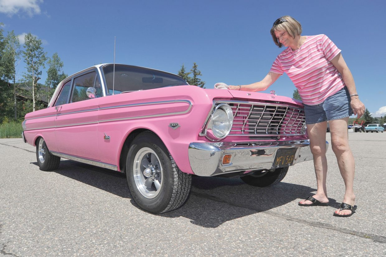 Falcon Car Club Flocks To Steamboat Steamboattodaycom 1964 Ford Futura John F Russell Lover Rosie Wilson Babies Her Pink