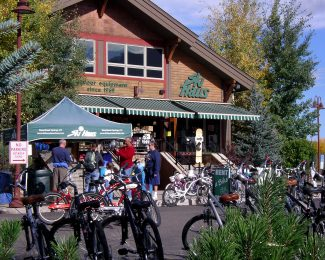 Best of the Boat sporting goods store: Ski Haus