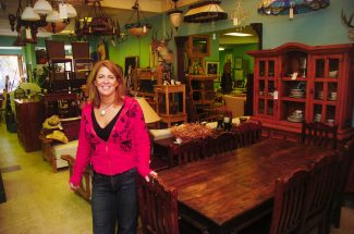Best of the Boat furniture store: Annie's Home Consignments