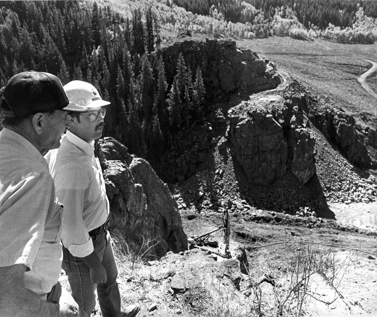 Construction of Stagecoach dam in September 1987.