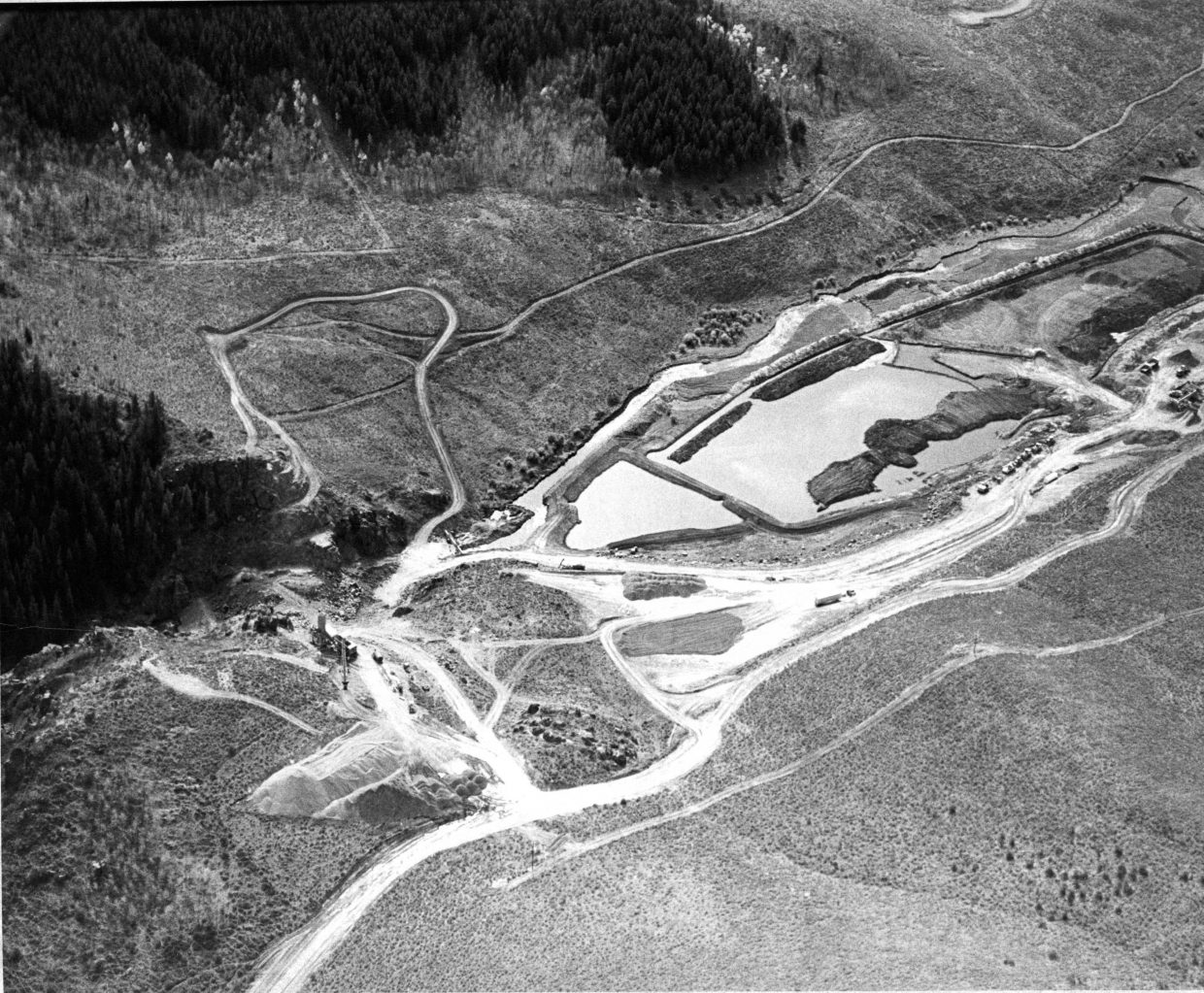 Construction of Stagecoach dam in October 1987.
