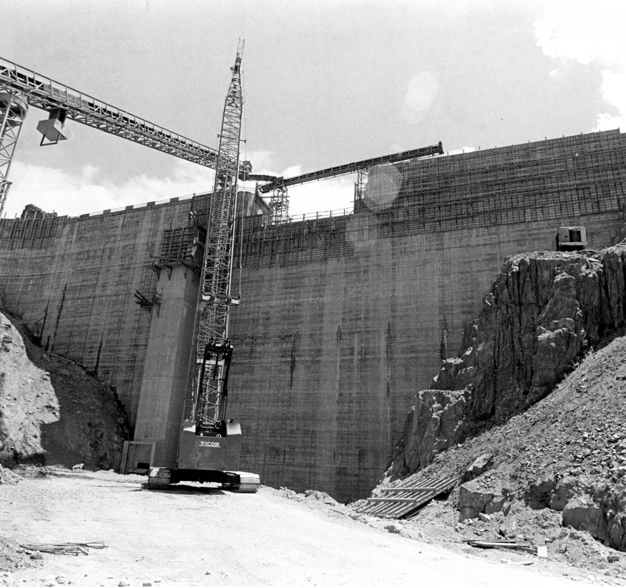 Construction of Stagecoach dam.
