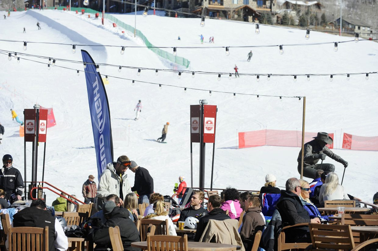 Enjoy Après Ski with live music at Bear River Bar & Grill deck at the Steamboat Ski Area this weekend.