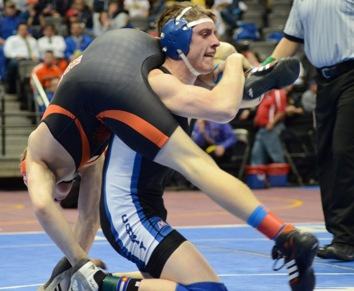 Brayden Peterson was unable to secure the takedowns he needed to be Lamar's Kaleb Hansen in the consolation second round.