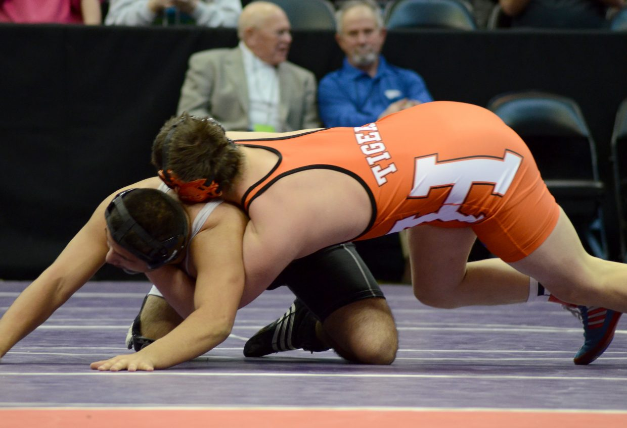 Taylor Lewis picked up a win by fall in the semifinals of the consolation bracket Saturday. He beat Jose Cisneros of Sierra Grande for a spot in the third place match.