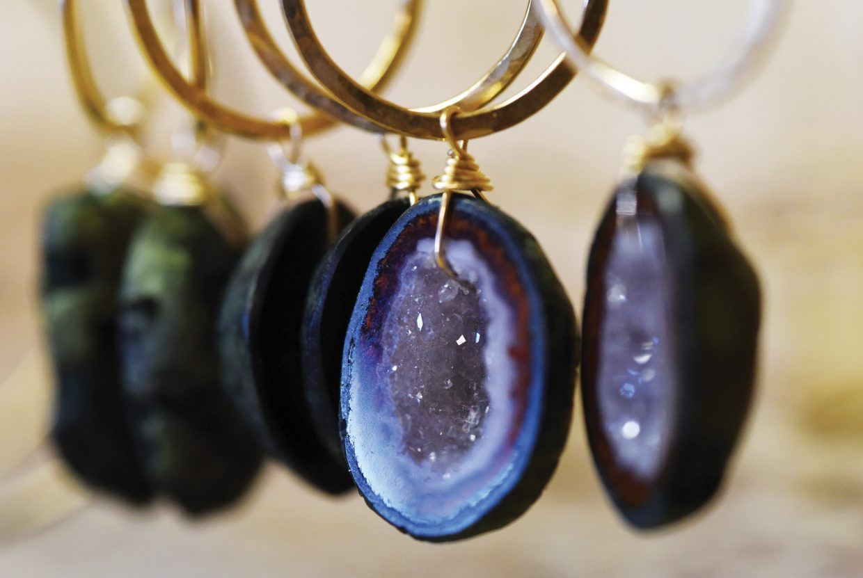 This agate earring is just one of many examples where Sita Jacobson and Ea Moulten have used precious stones and gold to create fine jewelry for Sabina Jewelry in Steamboat Springs.