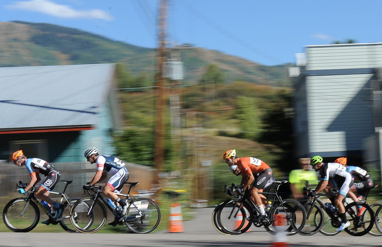 The men's pro field flies by Monday during the Steamboat Stage Race.