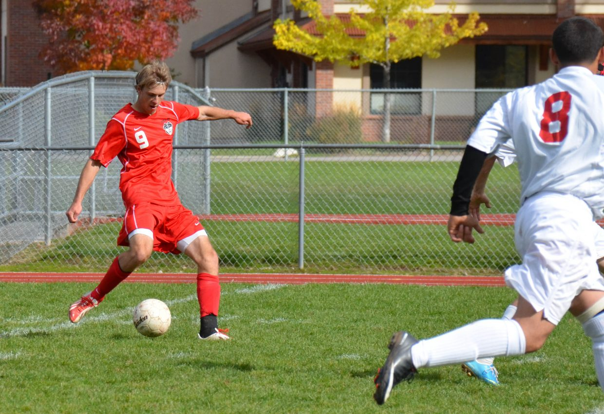 Steamboat's Nathan DePuy scores with 6 minutes left to put the Sailors in the lead in their 2-1 victory against Glenwood Springs on Saturday.