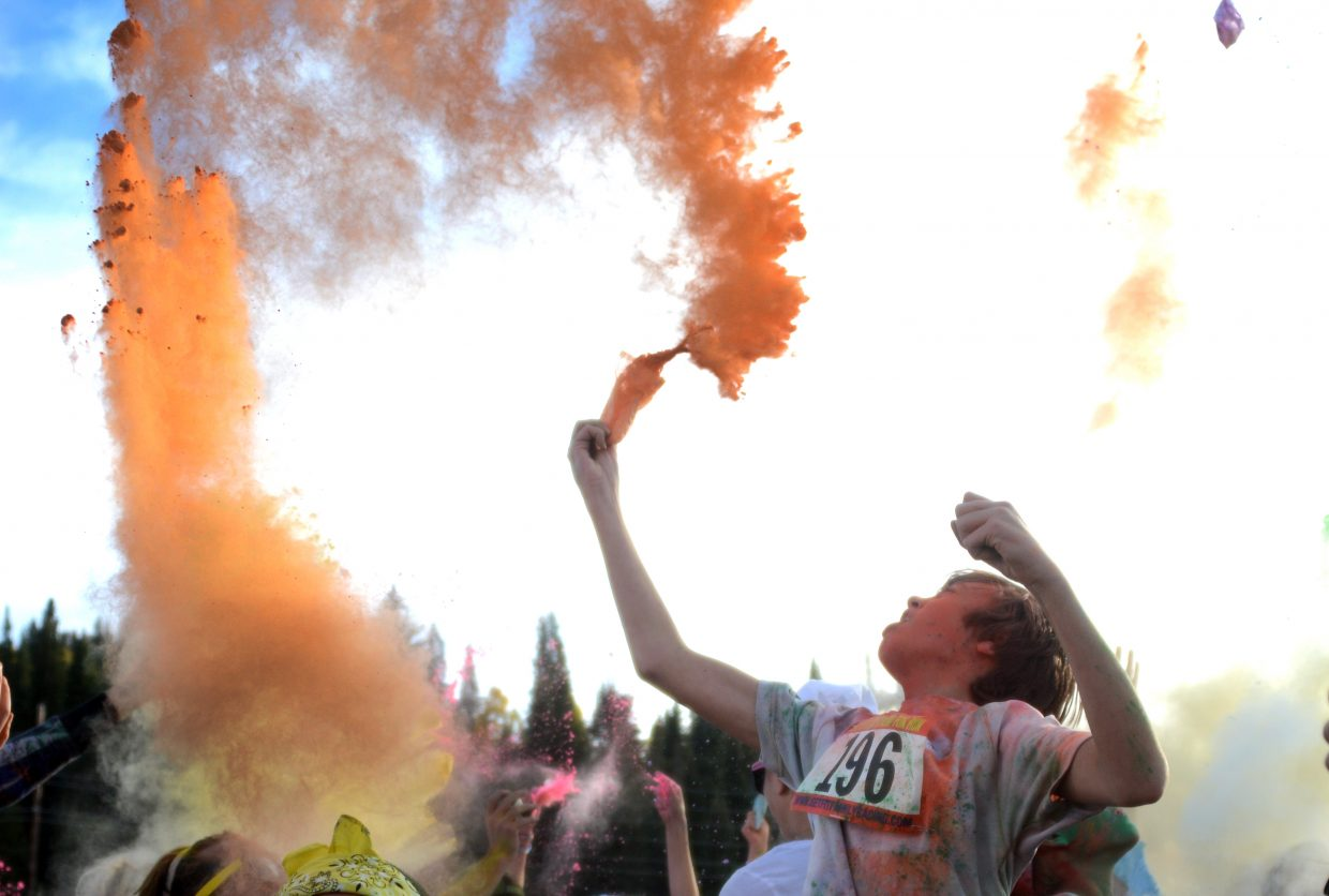 At the end of the race, runners were given packets of colored corn starch, and they all threw them into the air at the same time, making for one last giant cloud of color.