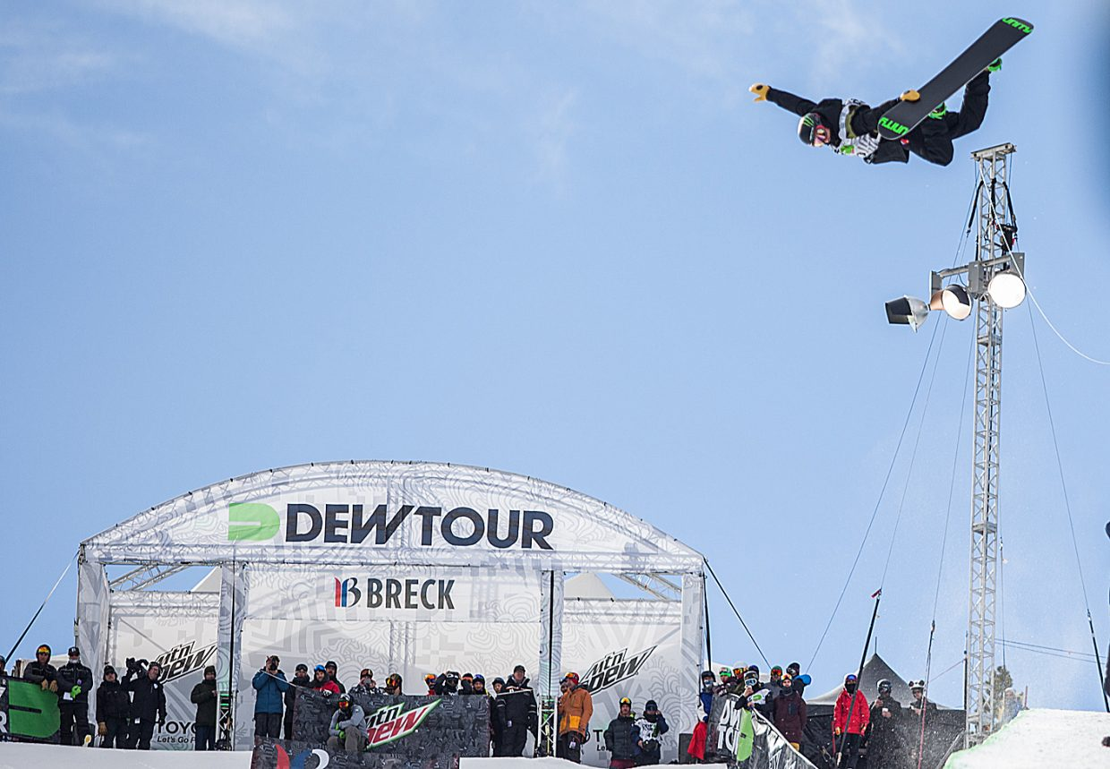 Taylor Gold flies high on his first hit Saturday at the Dew Tour men's super-pipe finals. Gold laid down a strong run on his first chance and it was good enough to hold up. It was the Steamboat Springs snowboarder's fourth win in a row, a series dating back to last season.