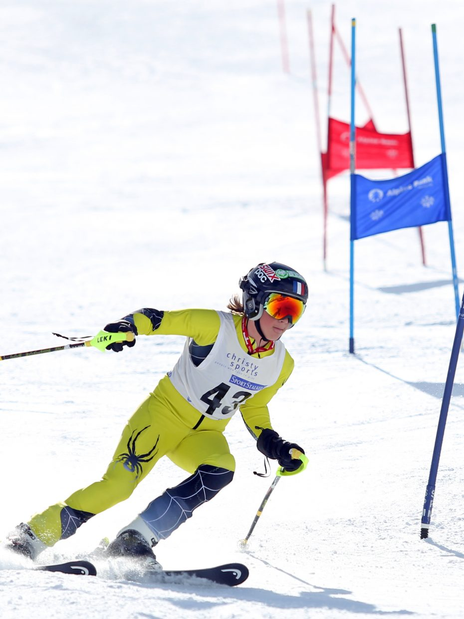 Stefan Grabowski competes in the U14 boys bracket of Saturday's Steamboat Cup Alpine skiing dual at Howelsen Hill.