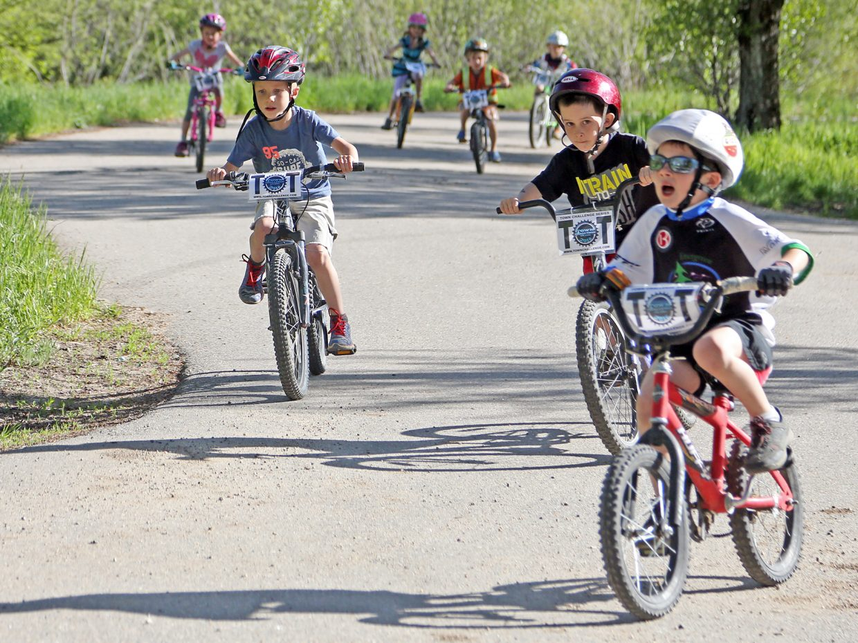 Tot racers hit the course during Wednesday's Marabou XC mountain bike race.