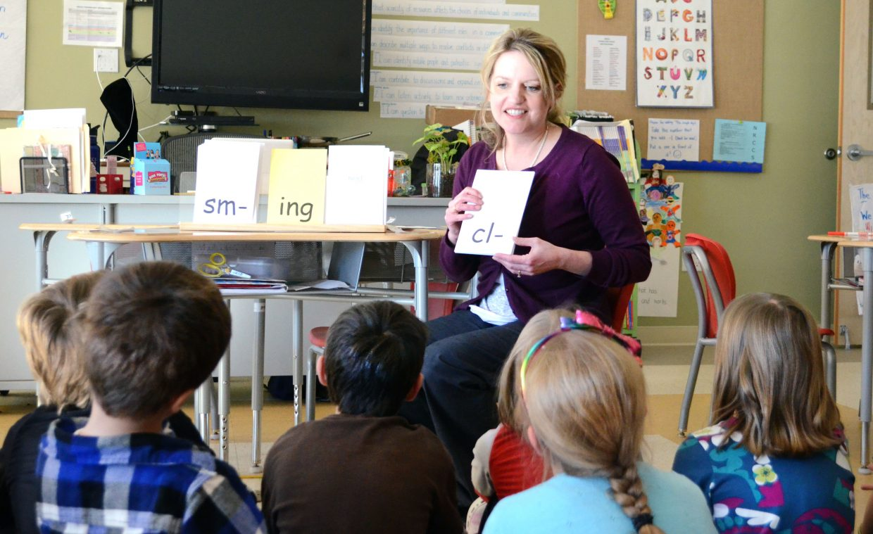 Katrina Wellman-Machut works on prefixes and suffixes with her first- and second-graders at North Routt Community Charter School, where Expeditionary Learning has taken hold.