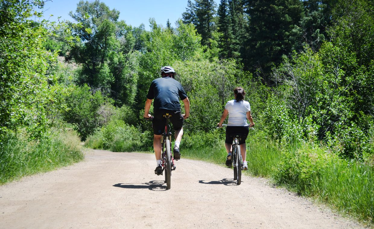 Spring Creek Trail provides little challenge for most riders, and with an access point near downtown, it's a local hot spot for residents and tourists.
