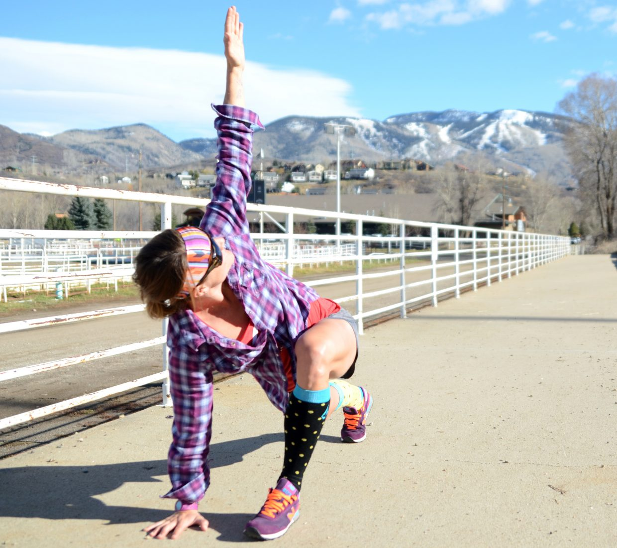 Lunges with a twist is just one example of dynamic stretching that incorporates loosening up a variety of necessary ski muscles at once.