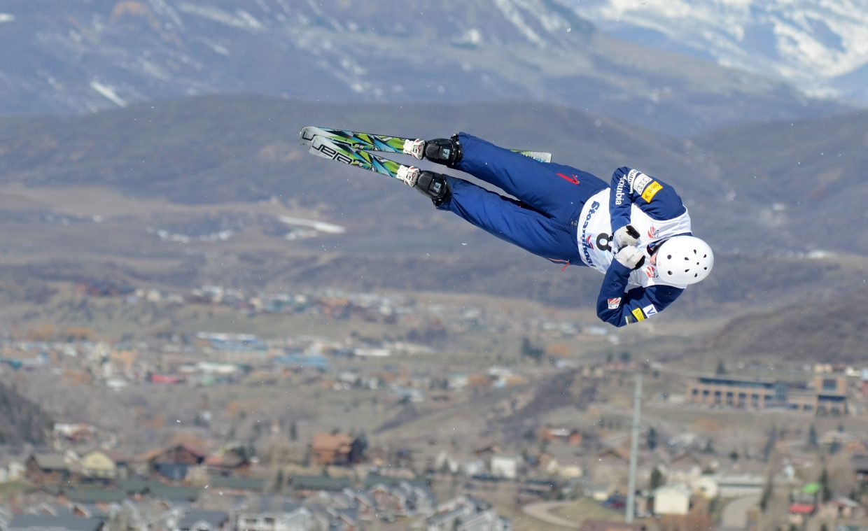Harrison Smith snagged a silver medal in Saturday's U.S. Freestyle aerials men's championship.