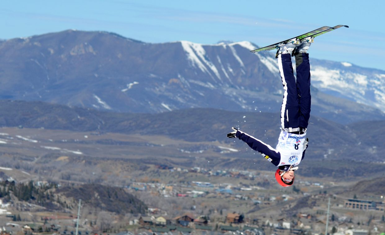 Tyra Izort stuck some clean trials and finals jumps at the U.S. aerials women's championship, earning her a bronze medal.