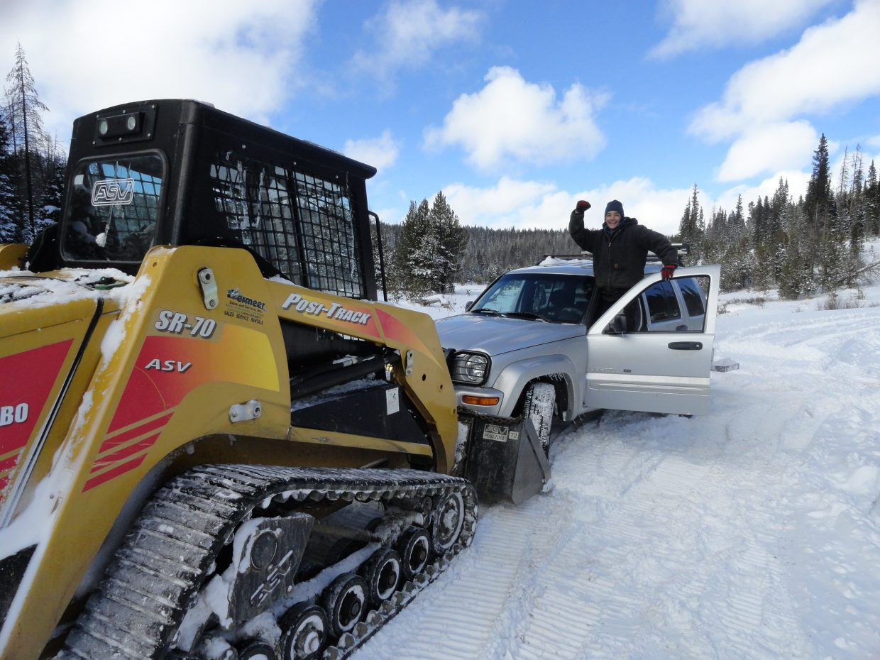Will from American Towing helping rescue stranded hunters off Rabbit Ears Pass. Thanks Will! Submitted by: Russell Frinks
