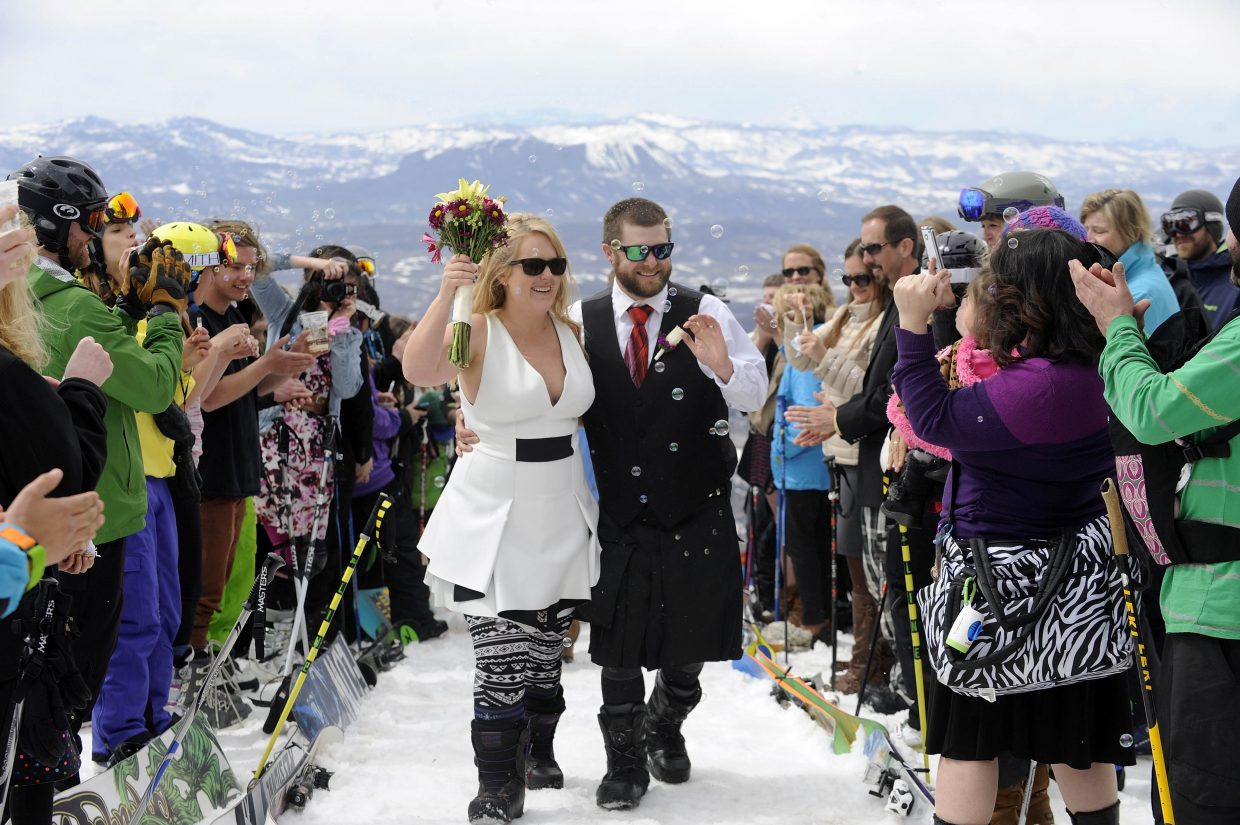 Steamboat residents Jamie Kennedy and Jon Chippendale tied the knot Saturday at the Steamboat Ski Area. Submitted by Matt Stensland.