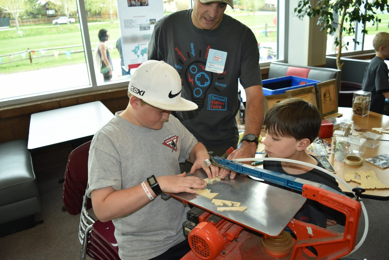 Ben Barbier leads a demonstration of Scroll Saw Creations Puzzles and more!​