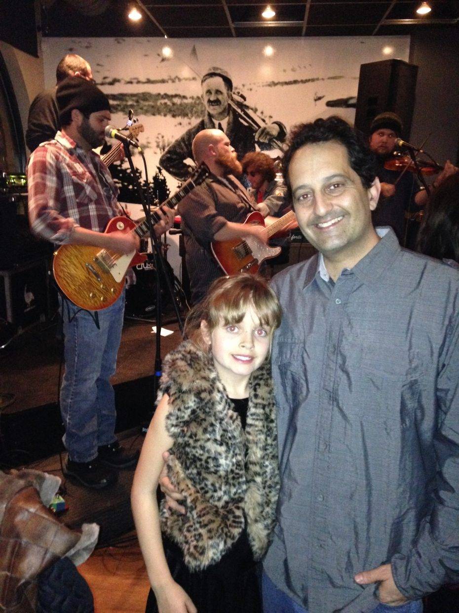 Wednesday night at Carl's Tavern, Johnny Campbell and the Bluegrass Drifters performed a show that attracted a crowd of visitors and locals, including Eric and Sophie Flam.