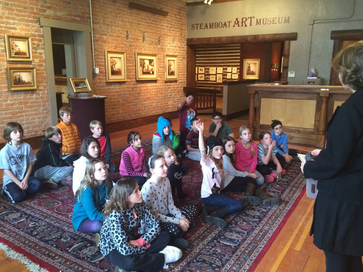 In this photo, visiting artist Chula Beauregard taught a lesson on still life and tied it in with the artwork of Mark Thompson, the featured artist at the museum.