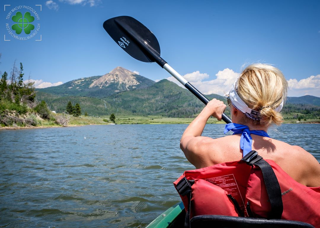 Kayaking toward Hahns Peak. #tmac2272