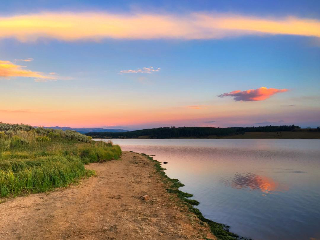 Shores of Steamboat Lake at sunset. @nickesares