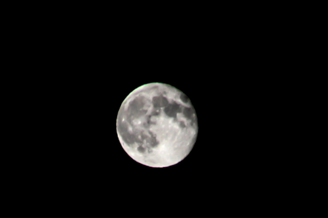 Supermoon over Storm Mountain. Submitted by G. Fredric Reynolds.
