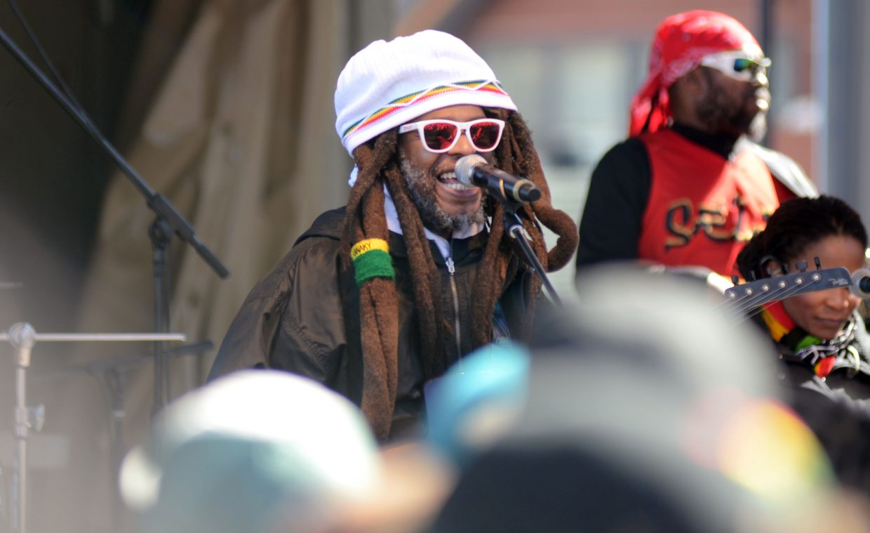 David Hinds, of Steel Pulse, performs Sunday for a massive crowd during the closing day festivities at Steamboat Ski Area.