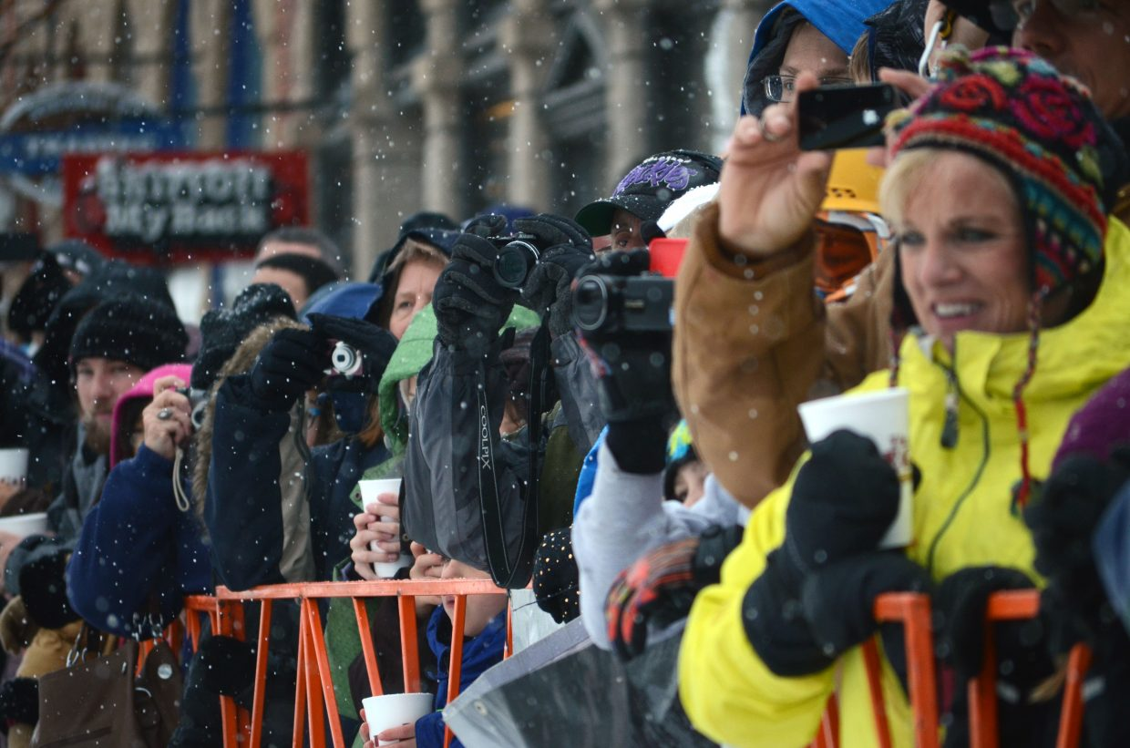 Hundreds of spectators flocked to Lincoln Avenue sidewalks Sunday for the final events of the 101st Winter Carnival.