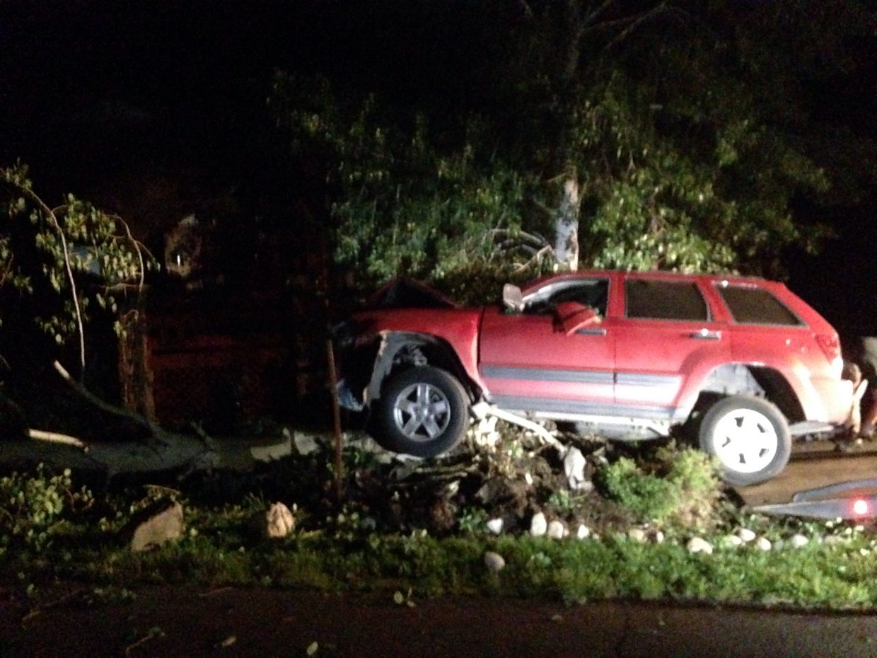 Single car wreck ... Aspen looses. Submitted by Phyllis Cron.