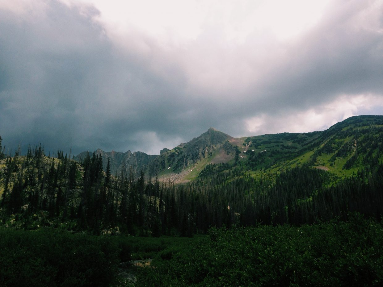 Hiking to Gilpin Lake in Zirkels. Submitted by Garrett Prechtl.