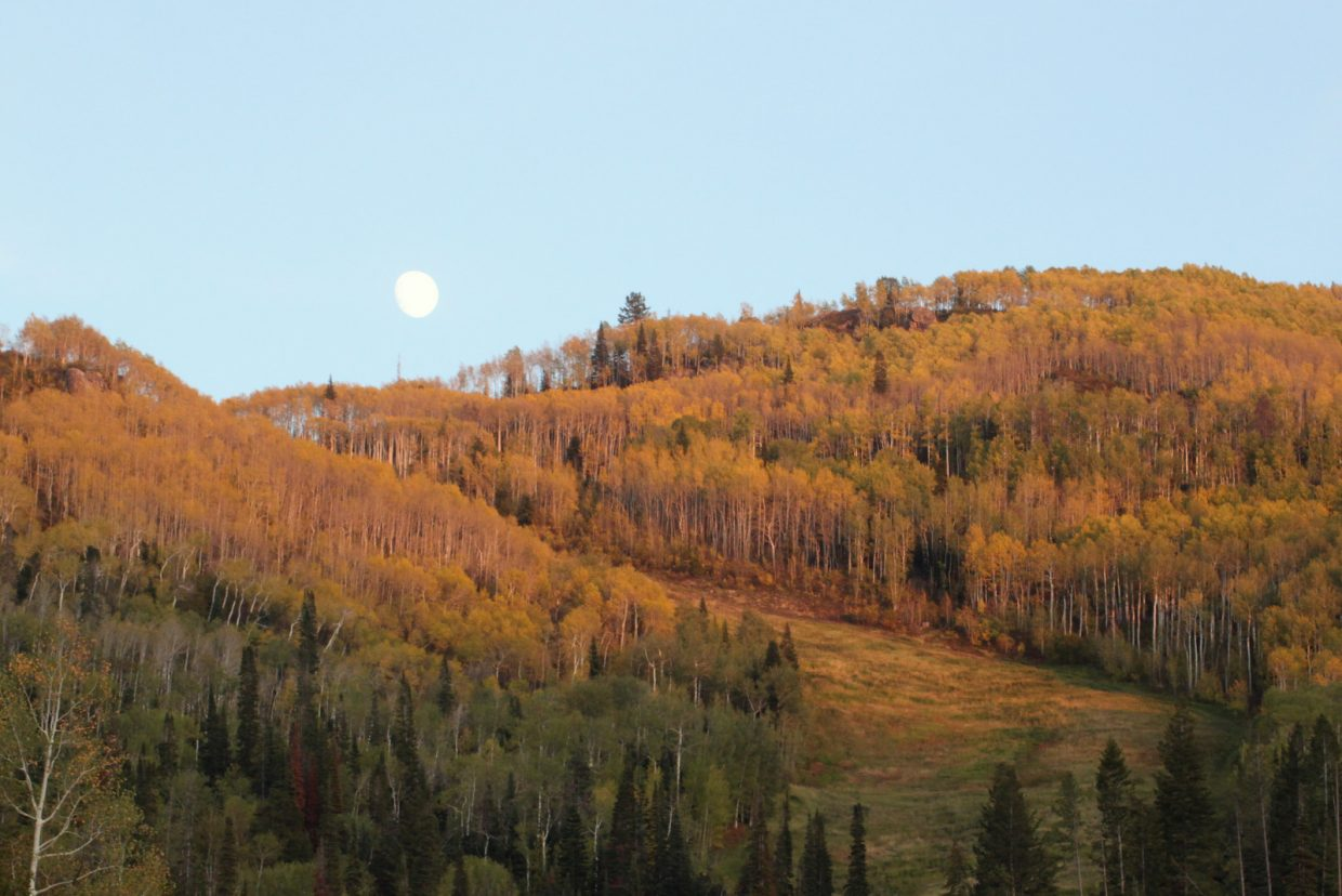 Moonrise over Lower Vagabond on Oct. 5. Submitted by: Matthew Schmidt