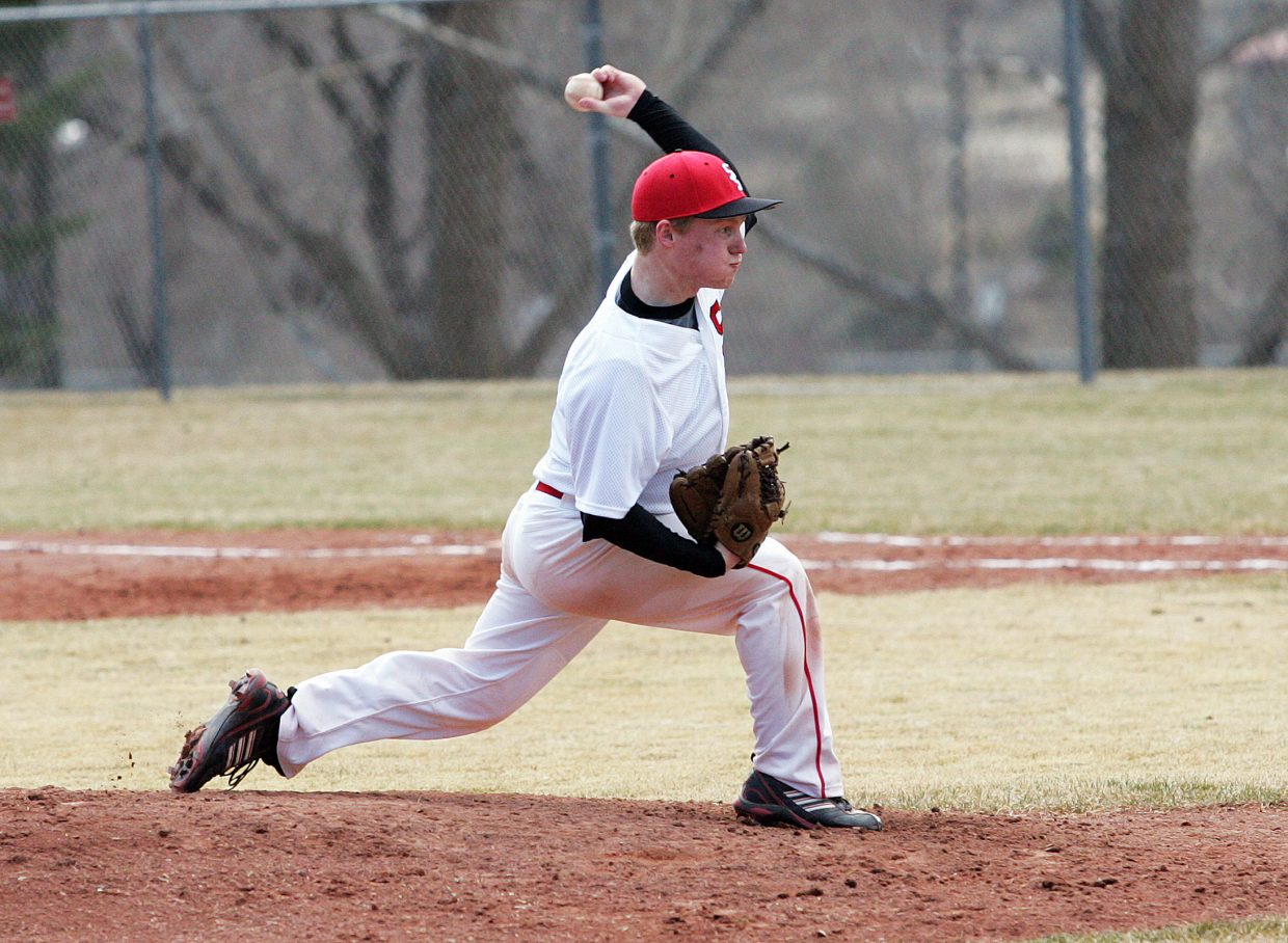 Steamboat Springs pitcher Tommy Lyon works against Glenwood Springs on Saturday.