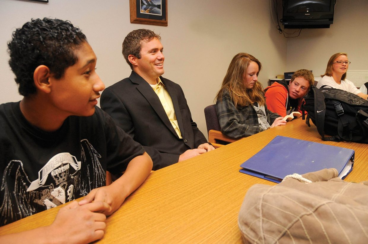 Steamboat Springs High School resource officer Josh Carrell, center, visits with his freshman anchor class students in 2009. Carrell has been the resource officer since December 2007 and now has been promoted to detective.