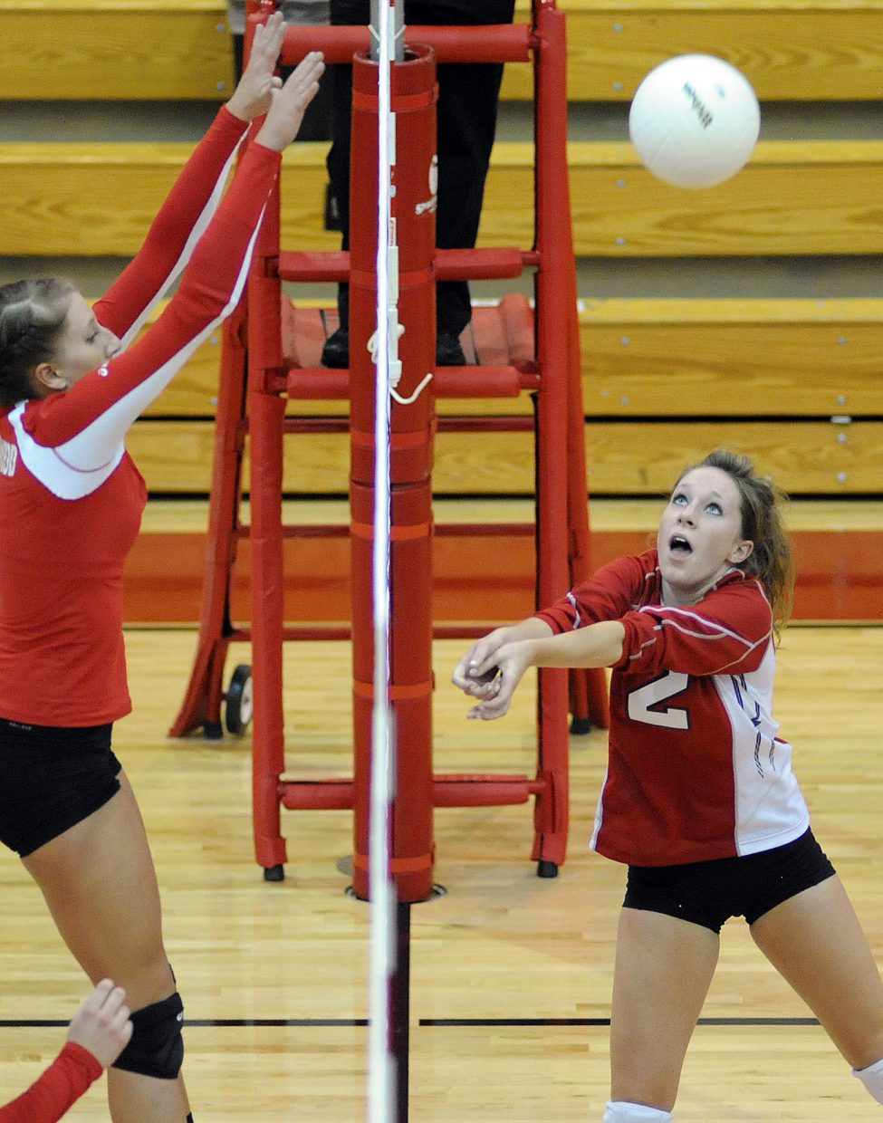 Steamboat's Callie Hvambsal catches a ball near the net Thursday against Glenwood Springs.