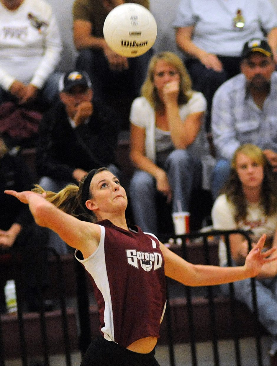 Lindsay Miles eyes the ball Friday against Vail Mountain.