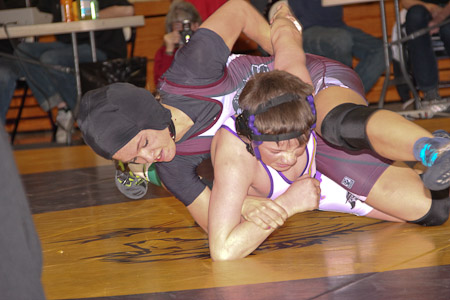Soroco's Lauryn Bruggink competes against Saragota's Chaze Wiant on Saturday.