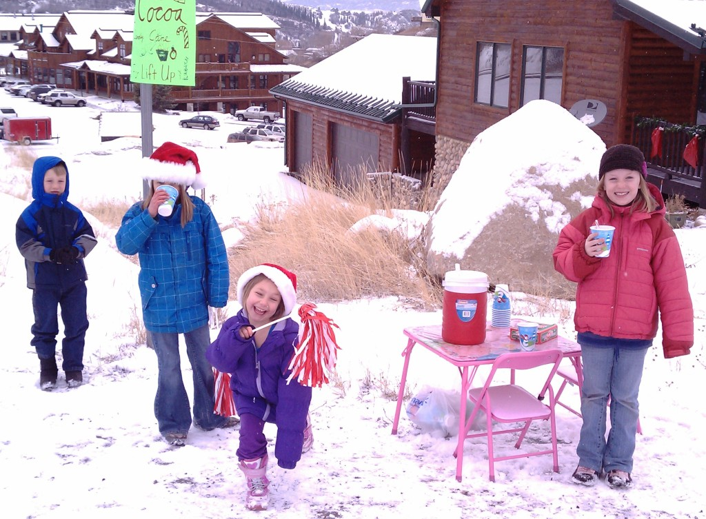 Kids of Mill Run Court having fun selling hot cocoa on snowy Wednesday and giving proceeds to LIFT-UP of Routt County. Submitted by: Russell Frinks