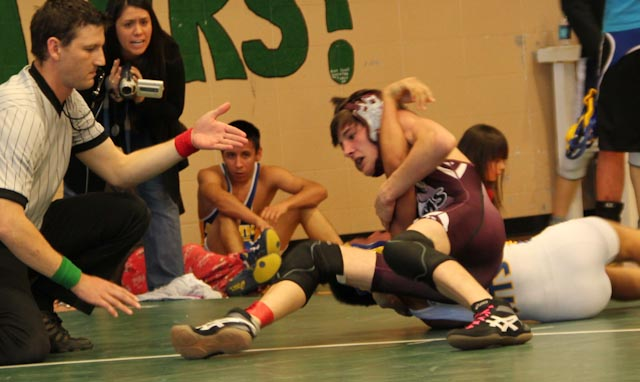 Colton Martindale (SO) (SOROCO) vs. Kanin Wadsworth (North Park) 113 lbs. Submitted by: Geri Bruggink