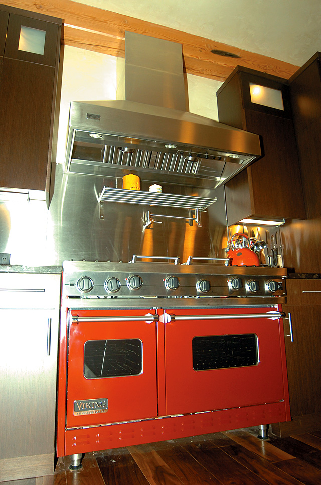 Mitzi Franklin remains a fan of the Viking range she enjoyed in her Chicago home.