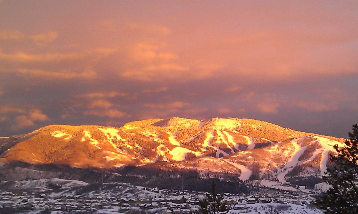 Alpen glow. Submitted by: Erin McDaniel