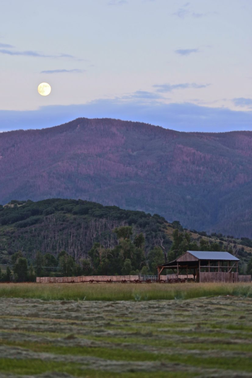 Barn under the moonlight. Submitted by: Pierce Ingram
