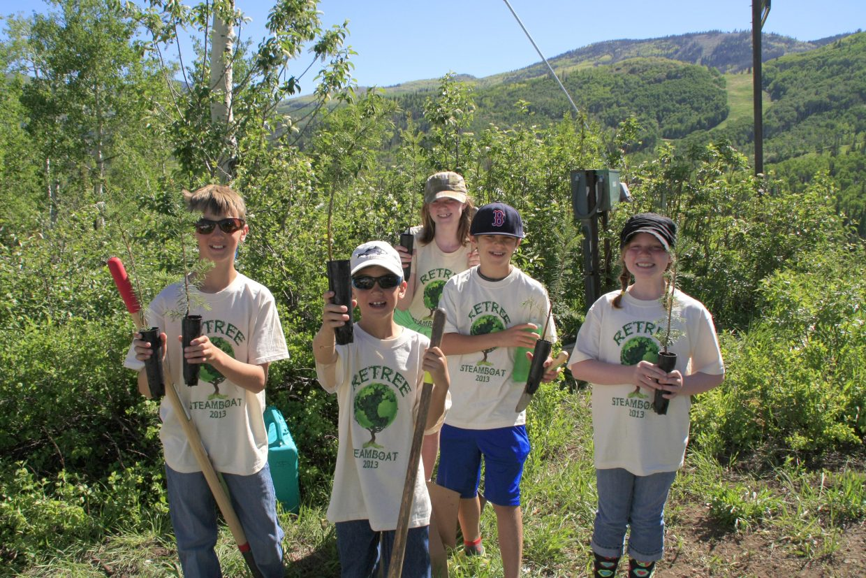 ReTree Steamboat, an annual tree-planting event hosted by the Yampa Valley Sustainability Council, welcomed 225 volunteers from across the state to plant 1,000 trees between Bashor and Vogue at the Steamboat Ski Area on Sunday.