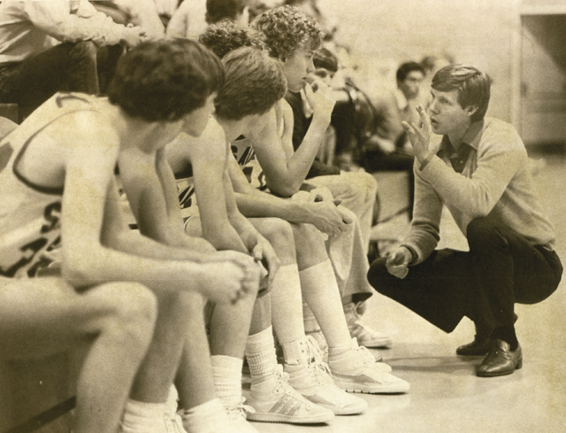 Kelly Meek discusses strategy during a game in 1984.