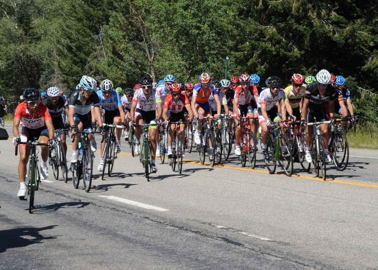 The peloton going up Rabbit Ears Pass, including Mountain Leader: Walter Pedraza, Andy Schleck, Tejay Van Garderen and Levi Leipheimer.