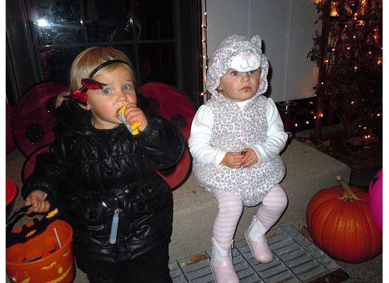 Sydney Wattles and Sydney Riele, both 19 months 