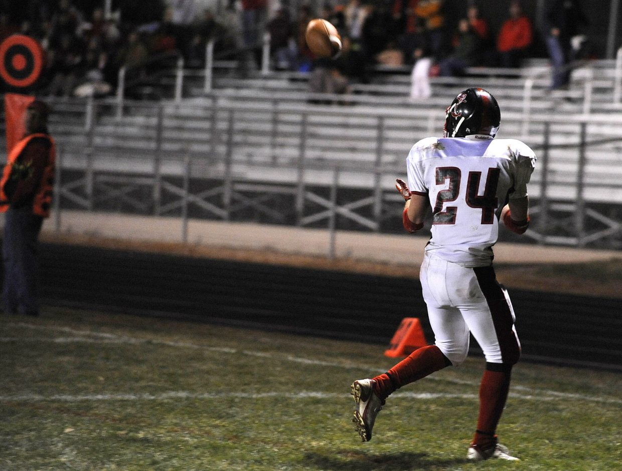 Steamboat Springs High School senior Joe Dover brings in Steamboat' second touchdown of the first half.