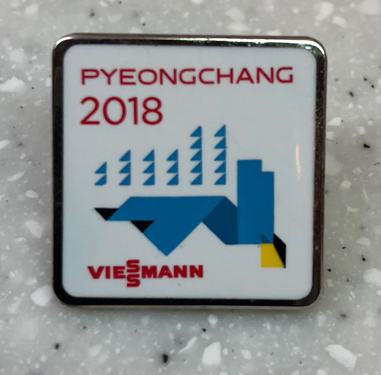 Pyeongchang 2018: Acquired: From a Korean volunteer Thoughts: This was another of my last trades, with a volunteer, who all were big into trading pins. The young woman seemed surprised I'd be willing to trade for this pin. I agree, it's not awesome, but it was late and I wasn't being picky. Rating: 4